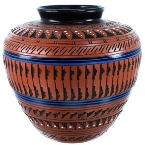 Native American Hand Crafted Pot By Artist Derrick Watchman RX110353